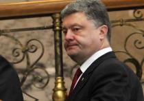 Порошенко отказался беседовать с протестующими из-за их неприемлемого поведения