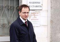 Новость о том, что Владимир Мединский остался доктором исторических наук, вызвала крайнее негодование тех, кто жаждал уличить министра культуры в нечестности