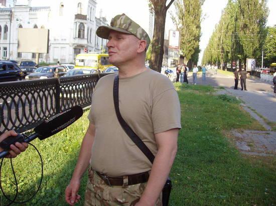 Националист в людном месте обстрелял участника АТО