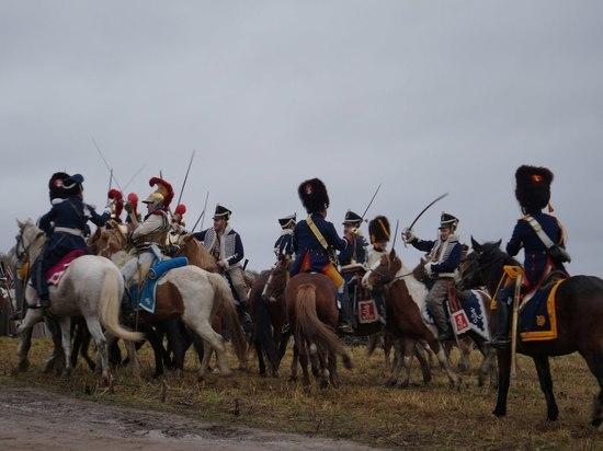 Более 300 реконструкторов с разных городов России воссоздали сражение 1812 года под Калугой