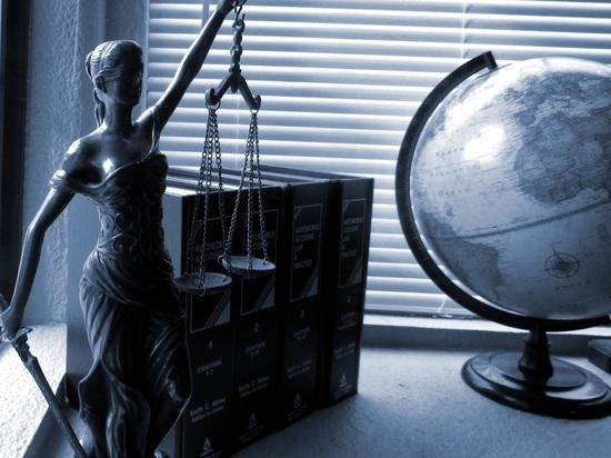 Забастовка адвокатов: силовики предложили юристам работать бесплатно
