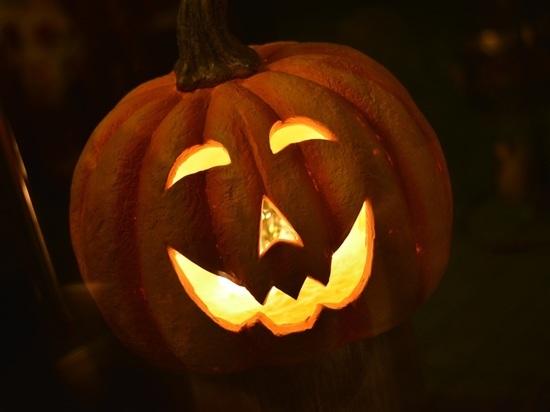 Хэллоуин: как праздник урожая стал днем веселых страшилок