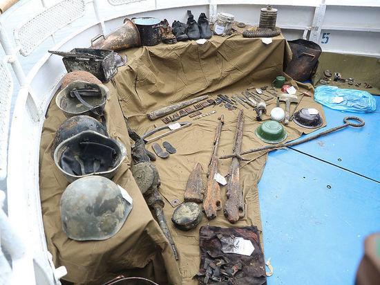 В поднятом со дна Волги бронекатере обнаружены останки