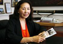 Супруга первого президента КР Аскара Акаева – о многогранности мира, своем муже и женах политиков