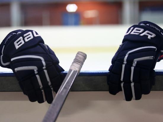 Молодежная сборная России по хоккею разгромно проиграла команде Канады
