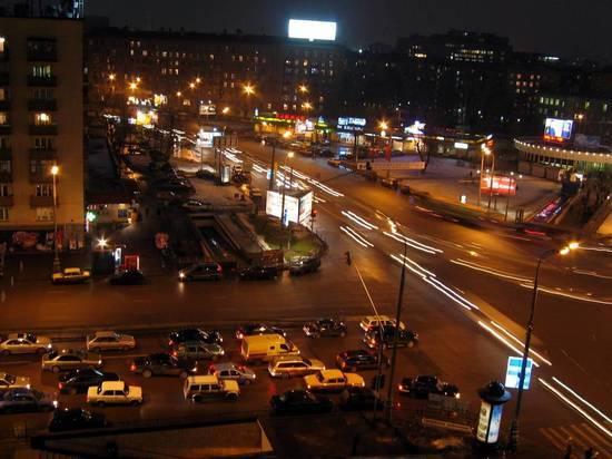 Вступившие в силу в России новые правила упорядочили движение по круговому перекрестку