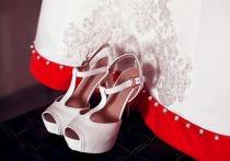 Туфли на каблуках и коктейльные платья: какую одежду жертвуют москвичи