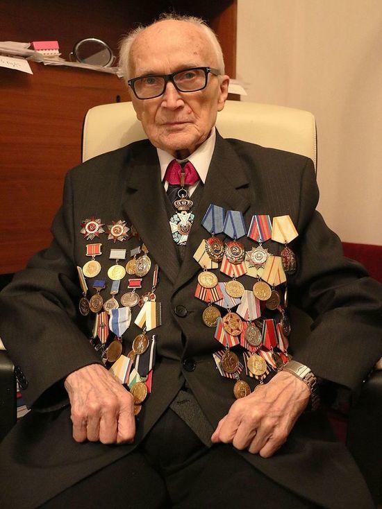 Редактор международной погоды: старейшему журналисту Москвы исполнилось 100 лет