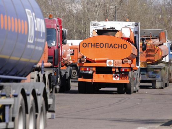 Топливный союз объяснил рекордное повышение цен на бензин: два фактора