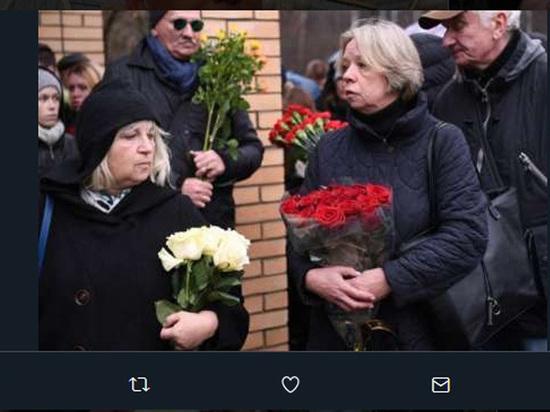 В Риге попрощались с Михаилом Задорновым: похоронят рядом с отцом