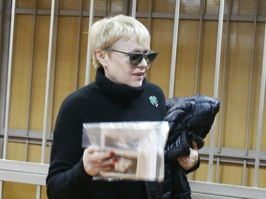 Жена прославленного хоккеиста Виктора Тюменева подозревается в квартирном мошенничестве