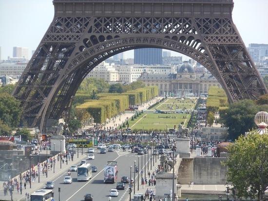 Французам разрешат заниматься сексом с подростками, достигшими 13-летнего возраста