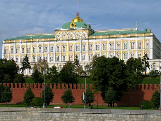Песков посоветовал читателям каналов Telegram сохранять разум