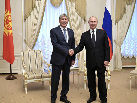 Путин пошутил о президентских выборах и наслушался жалоб деятелей культуры