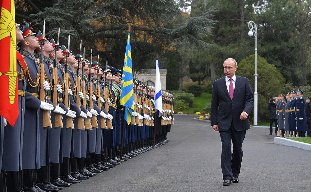 Путин открыл памятник царю-миротворцу Александру III: фото