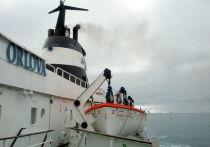 Обнаруженный у берегов Калифорнии остов неизвестного судна привлек всеобщее внимание
