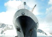 Неужели обнаружен, наконец, самый знаменитый в нынешнем веке корабль-призрак? Как сообщают американские СМИ, остов построенного в 1976 году круизного лайнера «Любовь Орлова», более четырех лет дрейфовавшего по морям-океанам без экипажа, выбросило на берег в Калифорнии