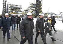 «Приступайте!» — скомандовал российский премьер Дмитрий Медведев — и первая партия трудноизвлекаемой товарной нефти потекла по трубам пускового комплекса Эргинского кластера, который находится под Ханты-Мансийском