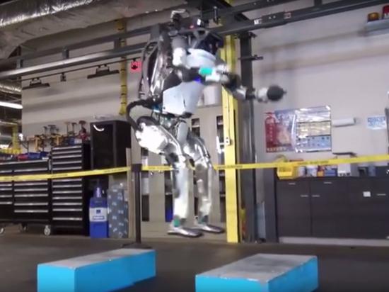 Увидев робота-акробата, Илон Маск напомнил об опасности искусственного интеллекта