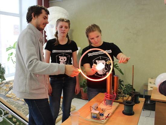 В АлтГТУ прошел «Фестиваль физики»