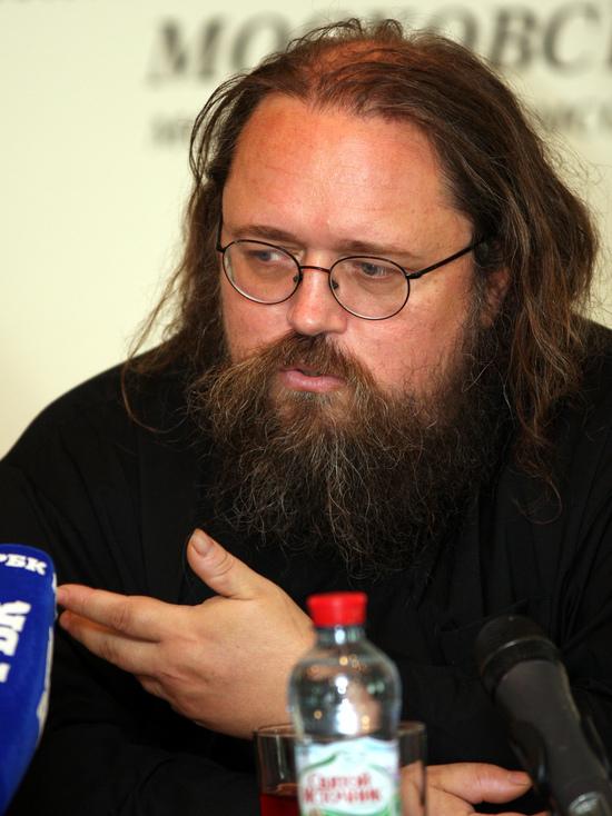 Протодьякон объяснил причины, по которым РПЦ отказалась от прямой трансляции заседаний Собора