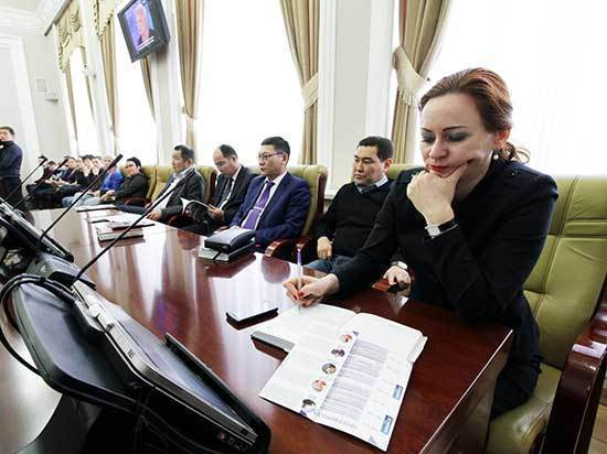 В Бурятии гости медиафорума из Москвы напророчили скорый крах газет