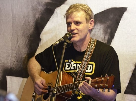 Музыкант сибирской волны панк-рока Олег Судаков о снижении уровня развития людей