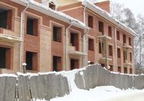 На улице Московской в Костроме возобновили строительство дома