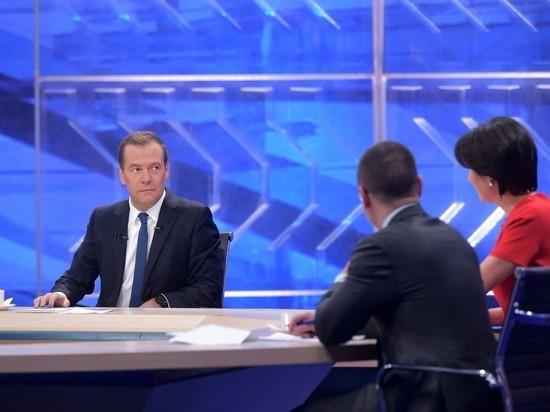 Глава правительства ответил на вопросы телеканалов в 10-й раз