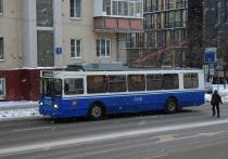Пассажиров московского троллейбуса ударило током: несколько пострадавших