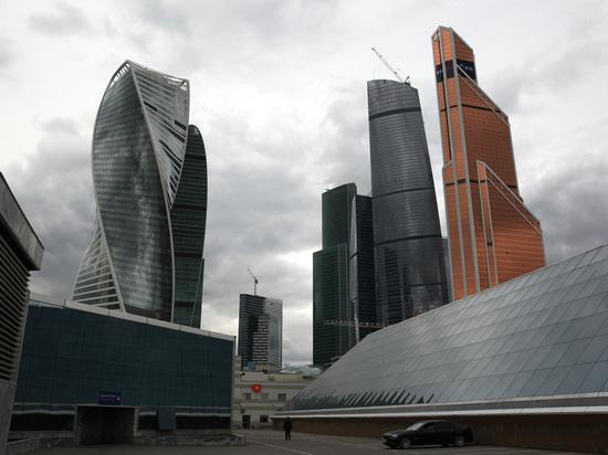 Артистка провалилась в яму на корпоративе в «Москва-Сити»
