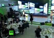 Главный редактор RT Маргарита Симоньян написала в своем Telegram-канале, как проходила встреча Майкла Флинна, когда он занимал пост советника президента США по нацбезопасности, с президентом России Владимиром Путиным на мероприятии, посвященном десятилетию телеканала