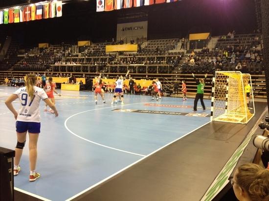 Гандбол, чемпионат мира-2017: Евгению Трефилову не дают забыть о футболе