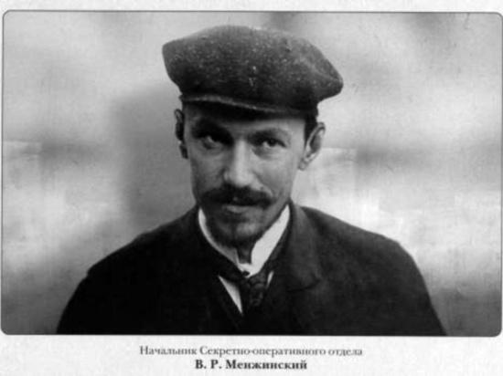 Взяв власть, Ленин и его соратники сразу стали строить коммунизм