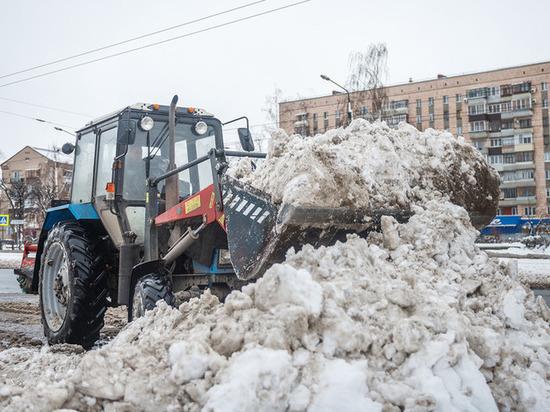Казань борется со снегом, как может