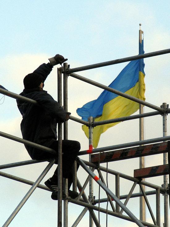 Раскраска Ленина под украинский флаг в Челябинске осталась неподсудной