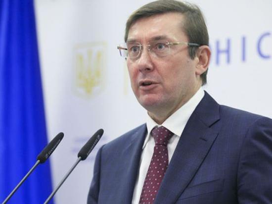 Почему одни считают бывшего президента Грузии инструментом Вашингтона, а другие — актером в «спектакле» Порошенко?