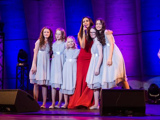 Сотрудничество России с новым директором ЮНЕСКО началось с концерта певицы Зары