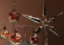 В советские годы новогоднюю ёлку запрещали, а игрушки - нет