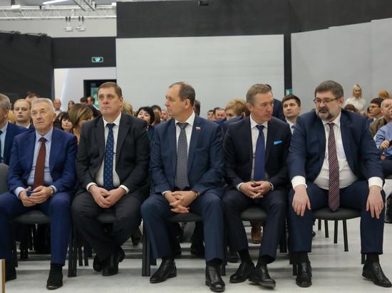 Единороссы Волгограда подвели итоги политического сезона на региональной конференции