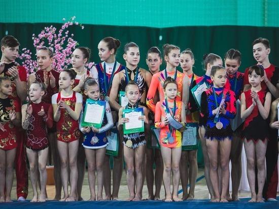 В Югре прошел чемпионат округа по акробатике