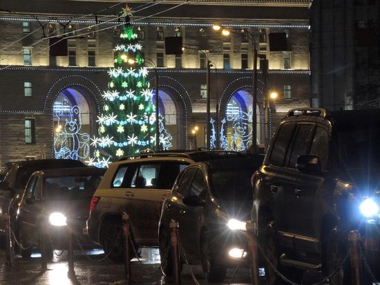 График новогодних пробок в Москве: когда лучше ехать за подарками
