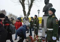 В Костроме открыли памятник легендарному полководцу Александру Василевскому