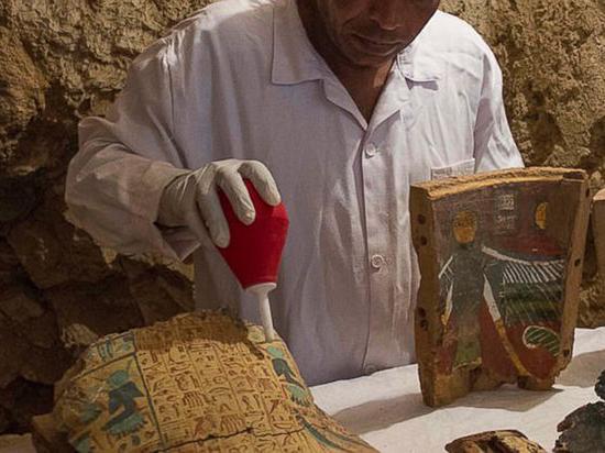 Археологи открыли две древнеегипетские гробницы в Луксоре