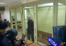 Штатный киллер Ореховской преступной группировки Игорь Сосновский приговорен во вторник к 18 годам и 8 месяцам колонии строгого режима, передал репортер «МК» из Мособлсуда