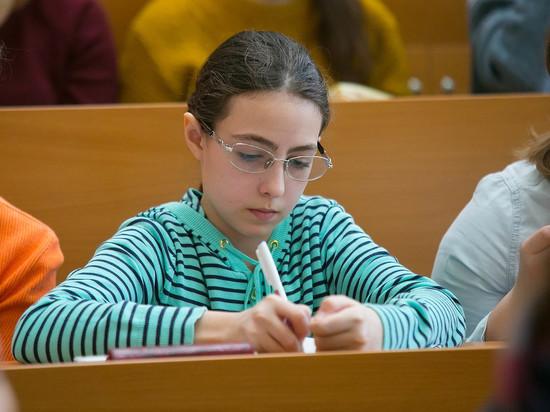 В Госдуме предложили Минобрнауки ввести в школах 12-й класс