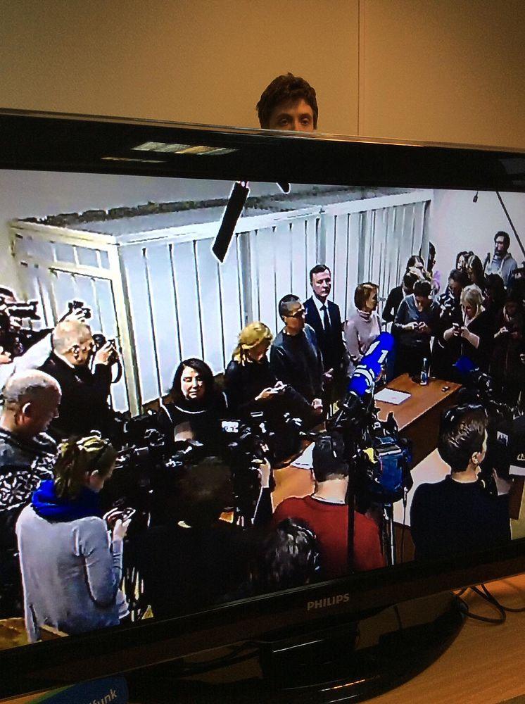 Улюкаев в ожидании приговора чуть не танцевал: кадры из суда