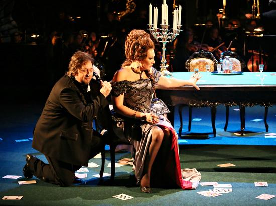 Премьера в «Геликон-опере» «Пиковой дамы» вызвала споры и провокации
