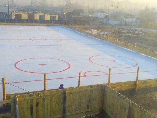 В тувинском городе Чадаана впервые появилась хоккейная коробка