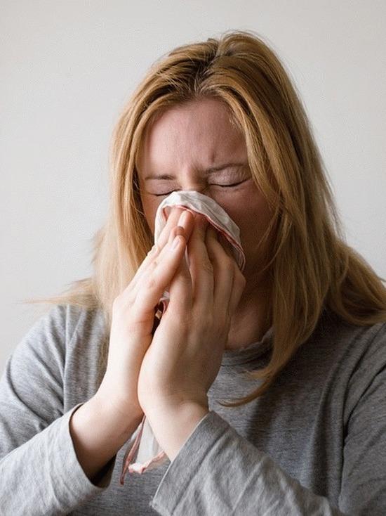 Жители Ленобласти болеют все чаще, но не гриппом